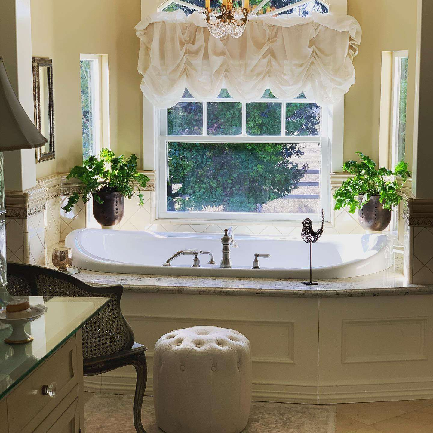 Master Bath of the Bees Knees Country House